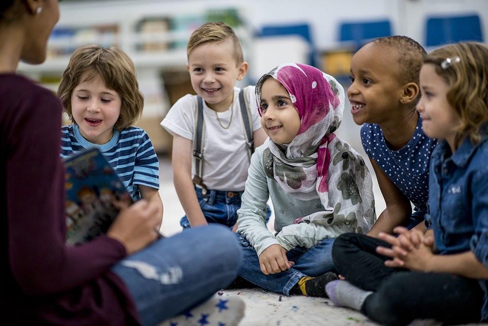 Gemeinsam sind wir stark! Sensibilisierung von Kindern und Jugendlichen für weltanschauliche und religiöse Vielfalt